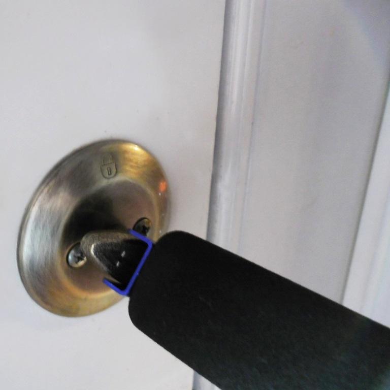 Long Reach Door Opener :: helps wheelchair users reach and open ...