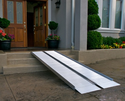 Ez Access 5 Ft Suitcase Wheelchair Ramp Signature Ss5
